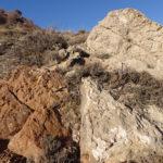 Caliza y roca ferruginosa